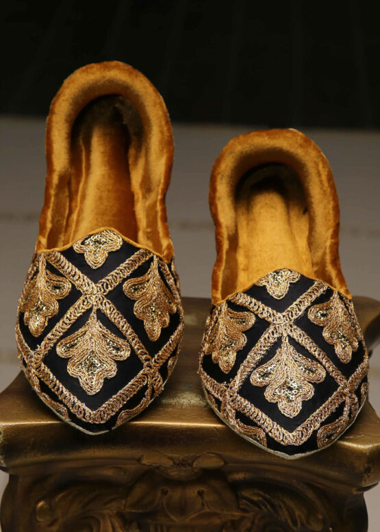 Gold Embroidered Khussa